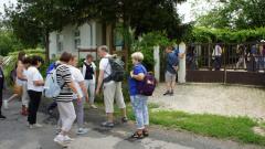 Vor dem Kneippbadehaus in Olaszfa