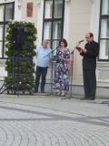 Bischof der Diözese mit unserer Übersetzerin bei der offiziellen Begrüssung