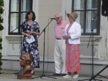 Der OK Präsident und Kinderarzt Dr. Karoly Garda und die Vorsitzende des Bayrischen Kneipp-Landesverbandes Ingeborg Pongratz (Land)